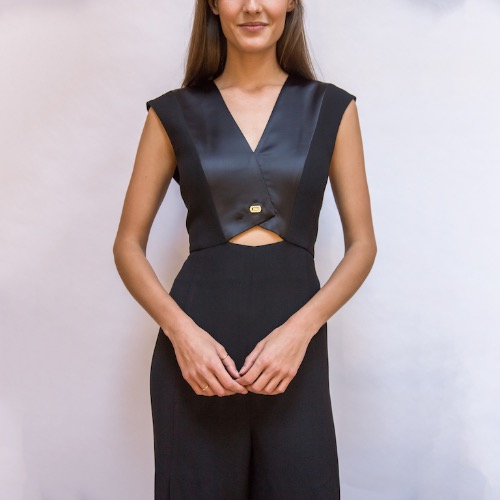 Halston Heritage Black Cutout Vest Turnlock Flowy Jumpsuit Close Up
