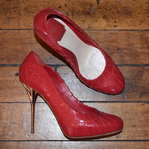25ce8e3baeb Christian Dior Red Scallop 'Serpent' Leather Pumps