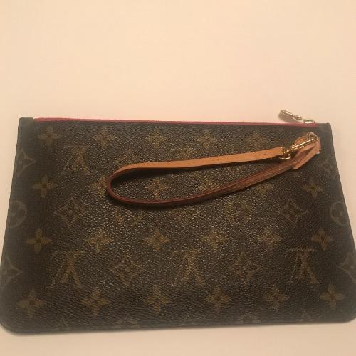 d376e3b3cbc7 Louis Vuitton Monogram Neverfull Pochette – DesignerShare