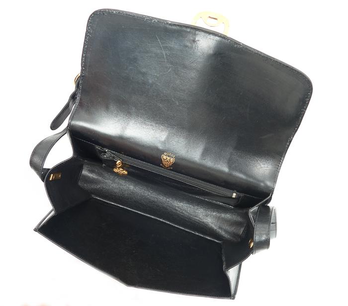 988d0906d93 Gucci Vintage Black Leather Crossbody – DesignerShare