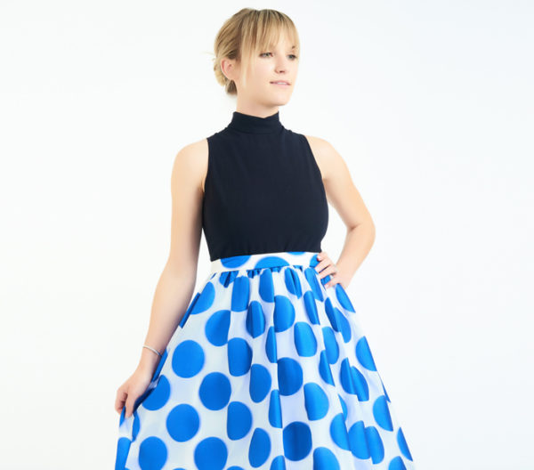 Alice + Olivia Blue And White Circle Print Skirt Close Up