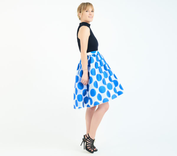 Alice + Olivia Blue And White Circle Print Skirt Side