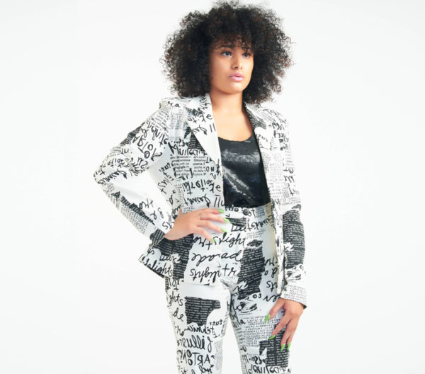 DesignerShare 100% Feminin Paris Two-Piece Pantsuit - Detail