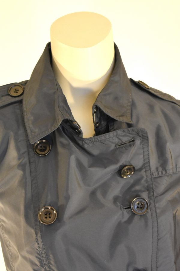 Burberry Brit Double-Breasted Short Trench Coat_CloseUp