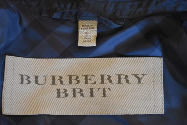 Burberry Brit Double-Breasted Short Trench Coat_Label