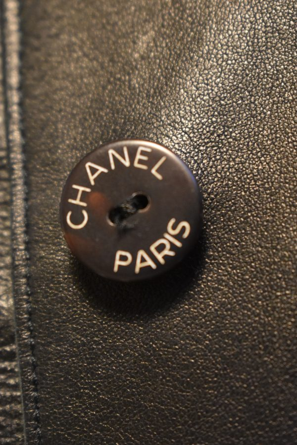 CHANEL Single-Breasted Leather Jacket_ButtonDetail