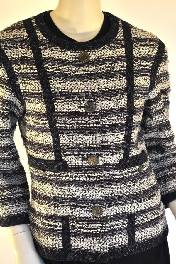 CHANEL Navy Tweed Jacket_FrontDetail