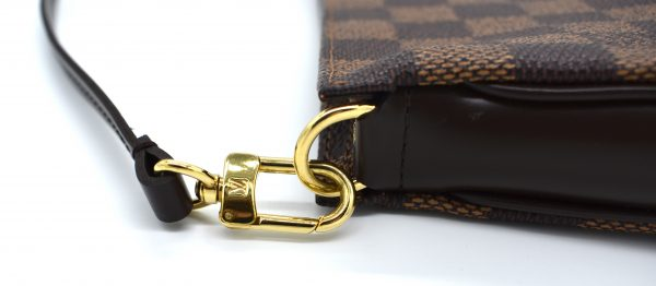 Louis Vuitton Pochette Accessoires Damier Ebene Mini Brown_Detail