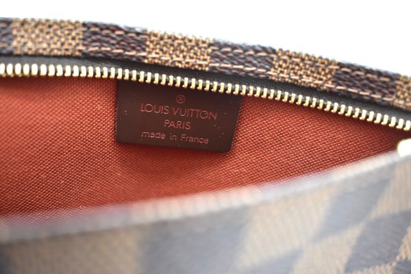 Louis Vuitton Pochette Accessoires Damier Ebene Mini Brown_IntertiorDetail